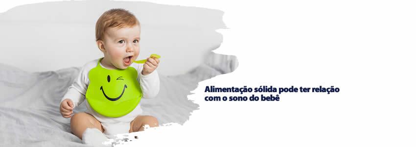 Alimentação sólida pode ter relação com o sono do bebê